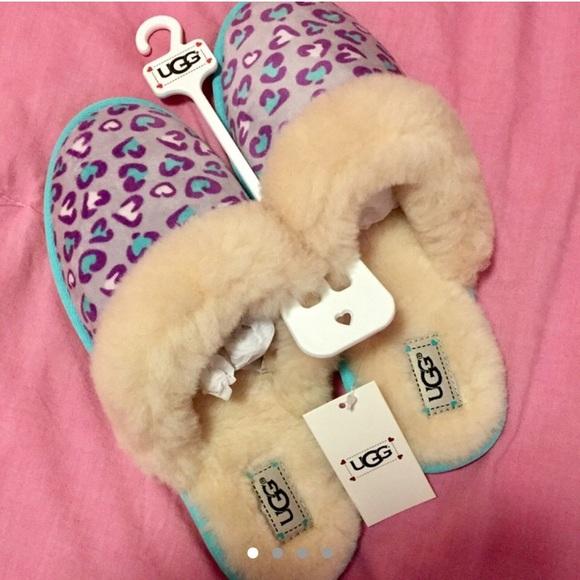 e7745799f180b UGG Australia purple fluffy cheetah slippers 6-7